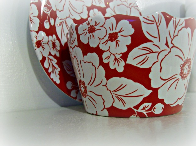 Red Floral Plate & Dish