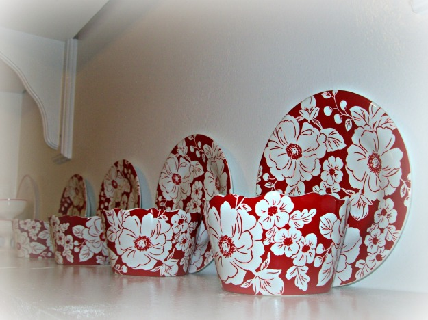 Red Flower Plates