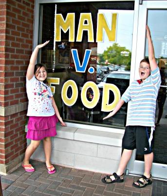 Man v. Food pizza challenge