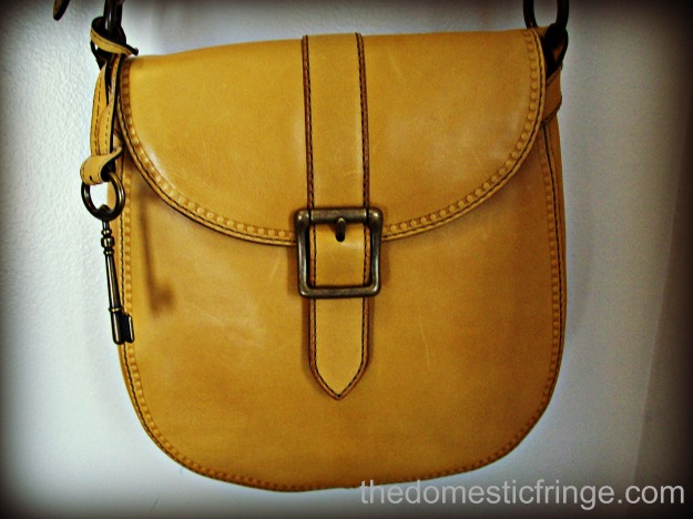 Fossil leather bag in mustard