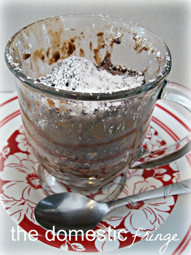 microwavable chocolate cake in a cup
